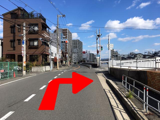 JR京橋駅からタイ語教室NEOSTEPへのアクセス方法04